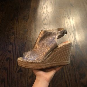 KENNETH COLE NY GOLD Olivia WEDGE PEEP TOE 9.5